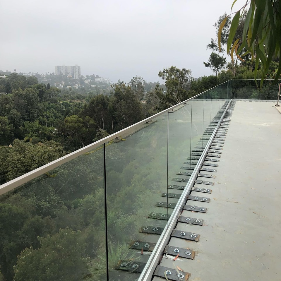 glass-queen-railing